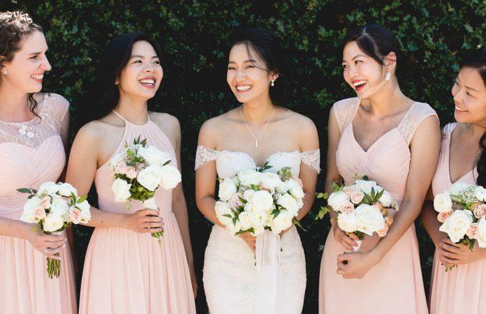 Invited to the wedding: how to choose the right dress?